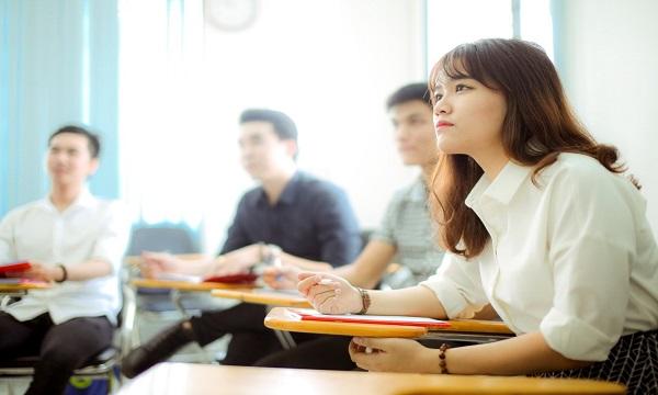 Học viên tham gia lớp luyện thi tại SHZ