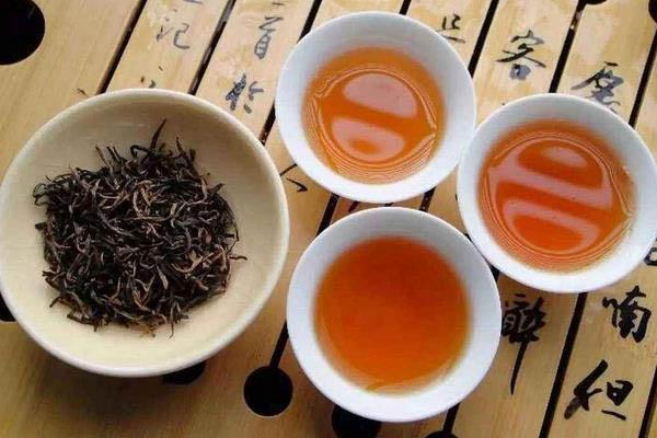 Hồng trà thường có màu đỏ? Hồng Trà Tiếng Trung là gì?