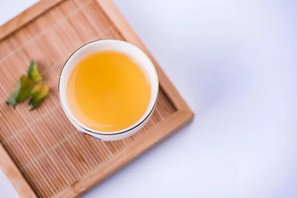 Màu vàng của Hoàng trà là do phương pháp ủ vàng tạo nên
