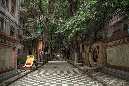 Tiếng Quảng Đông là nét đặc trưng riêng biệt cho nền văn hóa của một bộ phận người Trung Quốc.